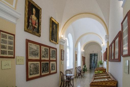 Kiállítások a Gyűjtemények könyvtárában (Március 15. tér 9.)